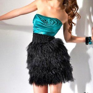 Flirt by Maggie Sottero Feather Dress Size 2